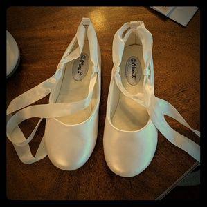 Other - Ivory flower girl shoes Olivia K size 13 & 1